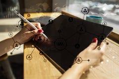 Leuteikonen-Struktur Soziales Netz Stunde Personalwesen-Management Geschäftsinternet und Technologiekonzept lizenzfreie stockfotografie