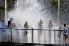 Leuteliebe, zu gehen Wasserpark Stockbild