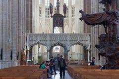 LEUVEN BELGIEN - SEPTEMBER 05, 2014: Inre av den berömda kyrkan för St Peter ` s av Leuven Arkivfoto