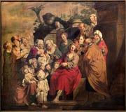 Leuven, Jezus i dziecko scena -. Farba w st. Peters gothic katedrze obraz stock