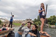 Leva Cambridge Inglaterra del río Foto de archivo libre de regalías