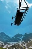 Levage de ski en montagnes Photos stock
