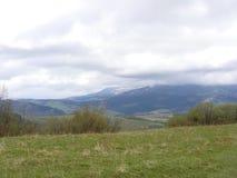 Levage sur la montagne de Smotrich dans Carpathiens Photo stock
