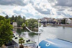 Levallois-Perret, Grand Paris, França, rio Seine e parque fotos de stock royalty free