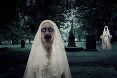 Levande dödkyrkogårdspökar Fotografering för Bildbyråer