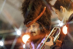Levande konsert för Vinicio capossela i Italien, Calitri royaltyfria bilder