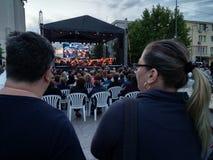 Levande operakonsert, i stadens centrum Pitesti, Rumänien - Maj 2018 royaltyfri bild
