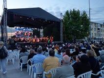 Levande operakonsert, i stadens centrum Pitesti, Rumänien - Maj 2018 royaltyfria bilder