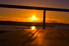 Levando embora o dia do por do sol imagens de stock