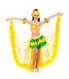 Levantamento bonito da mulher do dançarino do carnaval Foto de Stock Royalty Free