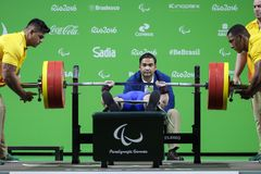 Levantamento de peso do jogo 2016 de Brasil - de Rio De janeiro - de Paralympic Foto de Stock