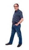 Levantamento masculino considerável em casuals na moda Imagem de Stock Royalty Free