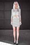 Levantamento modelo à moda fora Imagem de Stock