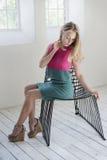 levantamento modelo no estúdio Fotos de Stock Royalty Free
