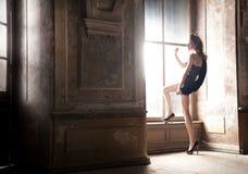 Levantamento 'sexy' da mulher foto de stock royalty free