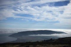 Levantamiento costero de la niebla Fotografía de archivo libre de regalías