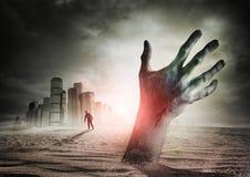 Levantamiento del zombi Imágenes de archivo libres de regalías
