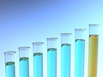 Levantamiento tubos de prueba azules y anaranjados Foto de archivo