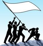 Levantando a bandeira Fotos de Stock
