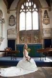Levantando a noiva Fotografia de Stock Royalty Free
