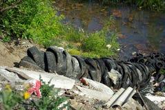 Levantando pneus Fotografia de Stock