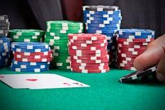 Levantando uma aposta Foto de Stock Royalty Free