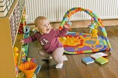 Levantarse al bebé Imagen de archivo libre de regalías
