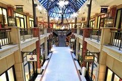 奢侈品商店里面购物中心Levantehaus在德国 免版税库存图片