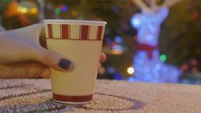 Leve embora o copo de café no mercado do Natal filme