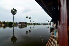 Levend op het Meer, Sulawesi, Indonesië Royalty-vrije Stock Fotografie