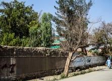 Levende het dorp van Afghanistan en schoten in Jalalabad in het midden het vechten seizoen royalty-vrije stock foto