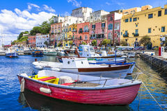 Levendig mooi Procida-eiland, Italië stock foto's