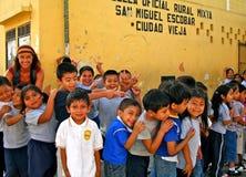 Levendige Studenten in Landelijk Guatemala royalty-vrije stock fotografie