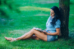 Levensstijl, de zomervakantie, onderwijs, literatuur Royalty-vrije Stock Fotografie