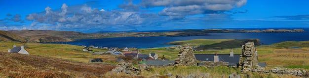 Levenwick看东北镇的设得兰群岛 免版税库存照片