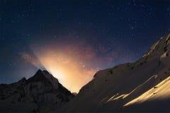 Lever de la lune en Himalaya Images libres de droits