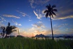 Lever de soleil à l'île de Maiga Image libre de droits
