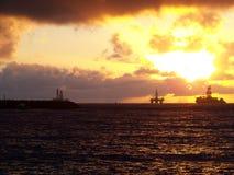 lever de soleil à l'ancrage Santa Cruz de Tenerife - Îles Canaries images stock