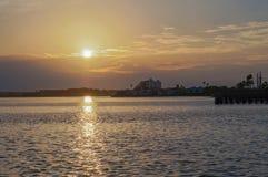 Lever de soleil à la chaussée de Dunedin, la Floride, Etats-Unis image libre de droits