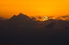 Lever de soleil à la montagne sainte Athos dans Chalkidiki Photo libre de droits