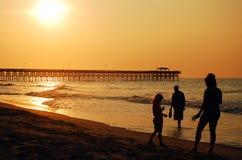 Lever de soleil à la plage de Myrlte Image libre de droits