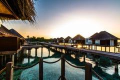 Lever de soleil à la station de vacances Maldives de quatre saisons chez Kuda Huraa Image stock