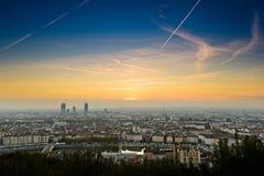 Lever de soleil à la ville de Lyon, France, l'Europe Image libre de droits