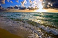 lever de soleil atlantique d'océan de côte photographie stock libre de droits