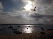 Lever de soleil au-dessus d'aéroport de Faro Image stock