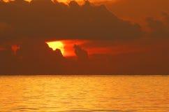 Lever de soleil au-dessus d'océan Image libre de droits