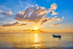Lever de soleil au-dessus d'océan Photo stock