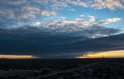 Lever de soleil au-dessus d'une plus grande région de Toronto photo libre de droits