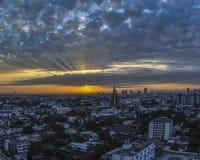Lever de soleil au-dessus de Bangkok Image libre de droits