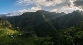 Lever de soleil au-dessus de Batad Photo libre de droits